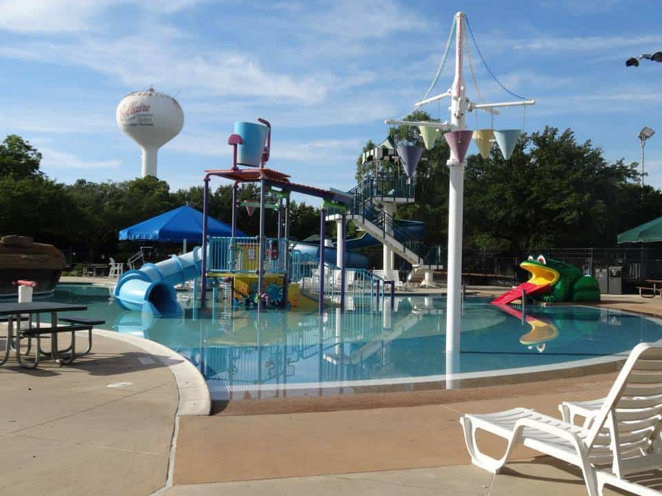 Bellaire town square visiting houston s parks one week for Garden city pool hours