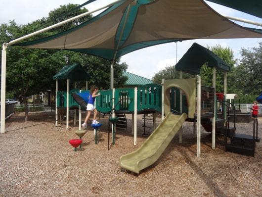 Colonial Park Playground2