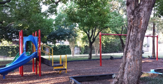 Feld Park Small Play Structure