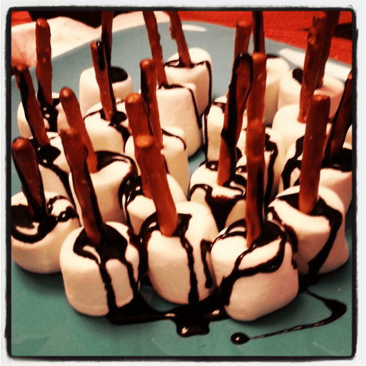 Snowy Bites with Marshmallow and Chocolate
