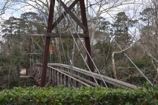 Bridge over Buffalo Bayou to Bayou Bend