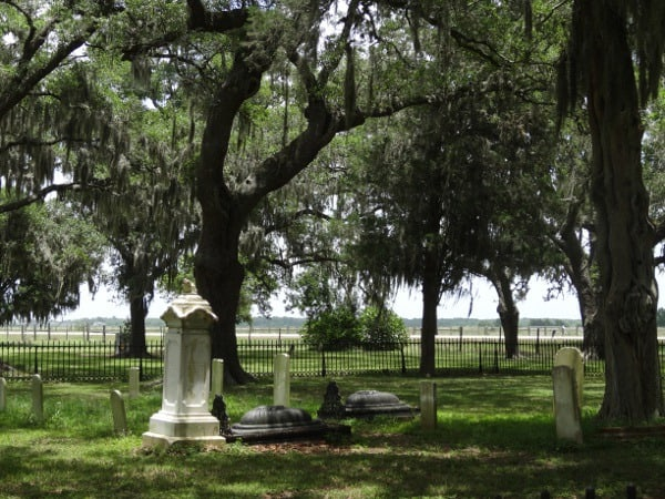 10 Davis cemetery at George Ranch Historical Park