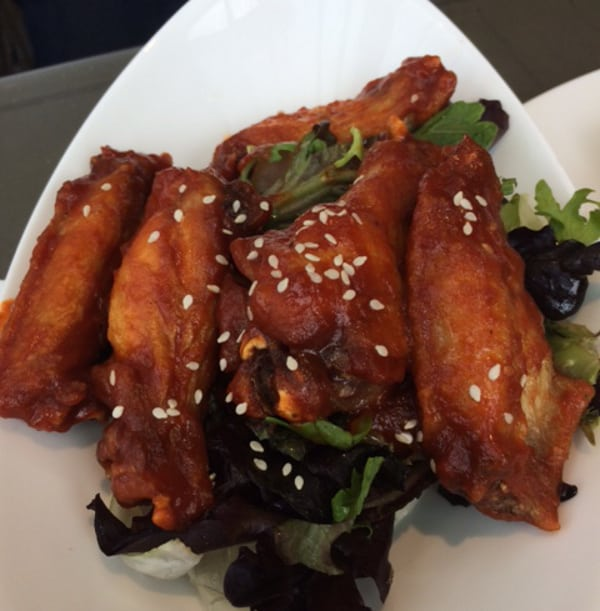 Common Bond Sriracha Chicken Wings