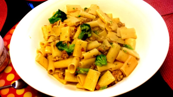 Quick & Easy Dinner Idea: Rigatoni with Broccoli and Sausage