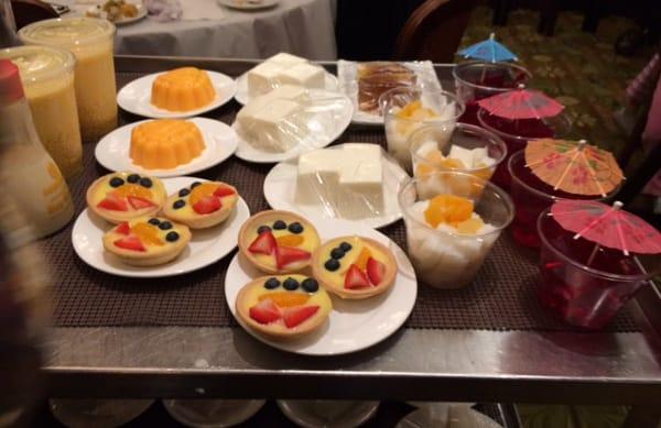 Fungs Kitchen Dessert Cart