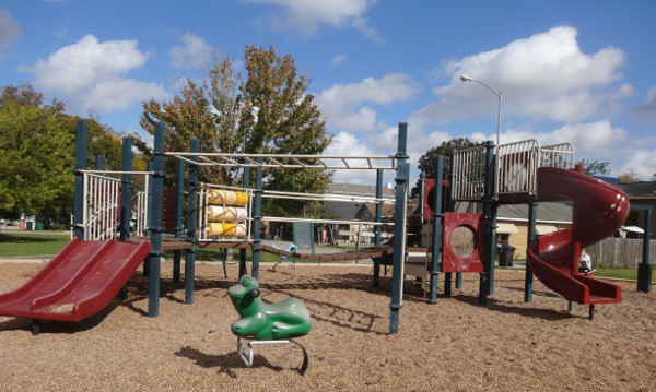 Lawrence Park Playground1