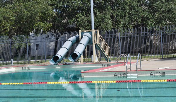 Love Park Pool Houston Heights
