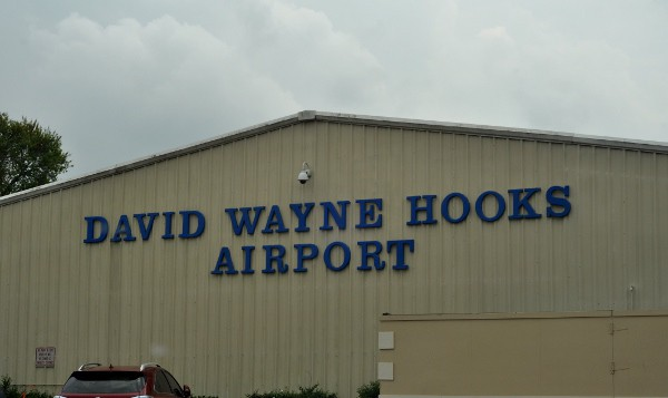 Hooks Airport and Aviator Grill