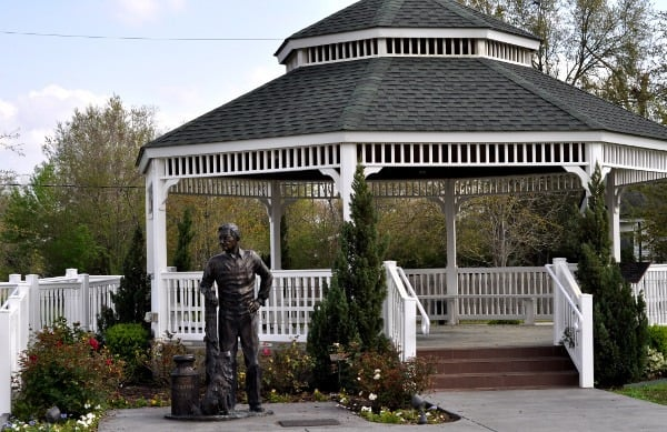 tomball train depot plaza � visiting houston area parks