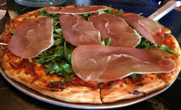 Luna Pizzeria prosciutto pizza