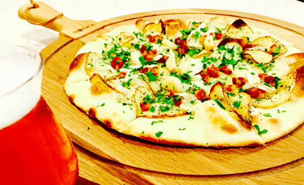 MKT BAR Yum for Mum Pizza with gold potatoes, roasted garlic, brie, bacon and fresh parsley 6