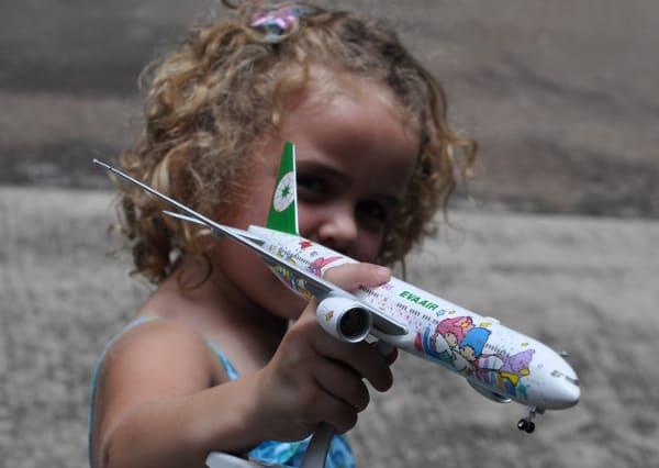 Mini Hello Kitty EVA Airplane Model