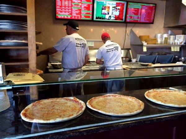 Open Kitchen at Romanos Pizza Houston