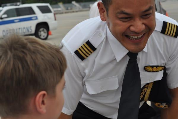 Speaking Mandarin to EVA Airline Pilot