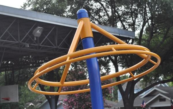 Halbert Park Houston Spinning Wheel