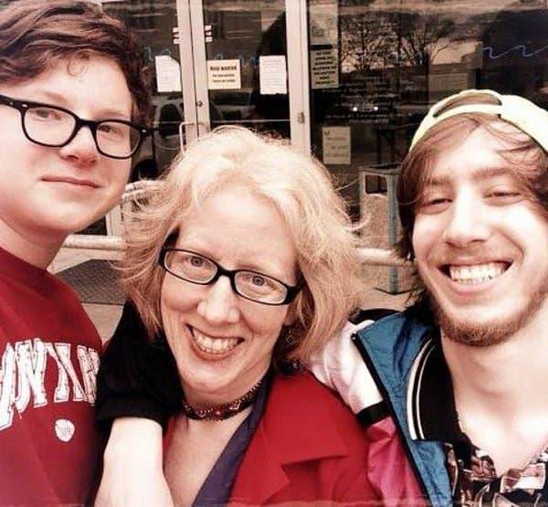 Sarah Gish of Gish Picks Houston with Matthew and Alexander