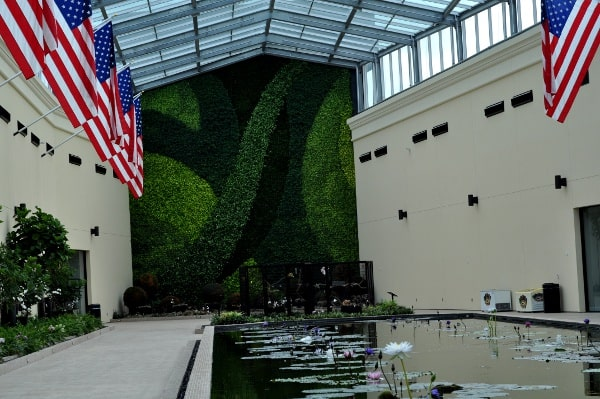 Gallery Furniture Grand Parkway Atrium