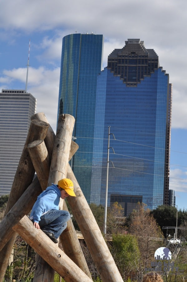 Fish Family Play Area at Buffalo Bayou Park Climbing Logs