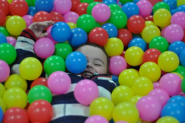 Hwami Play Park Ball Pit