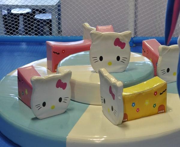 Hwami Play Park Hello Kitty Carousel