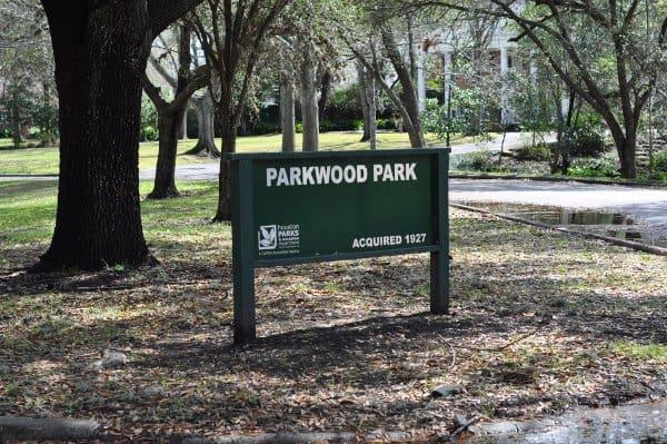 Parkwood Park Sign