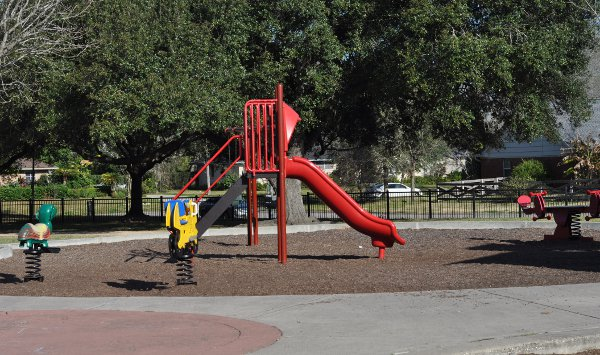 Willow Park Small Playground