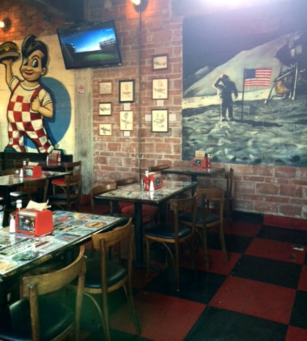 Grafittis at Union Tables and Murals