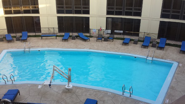 Marriott IAH Pool