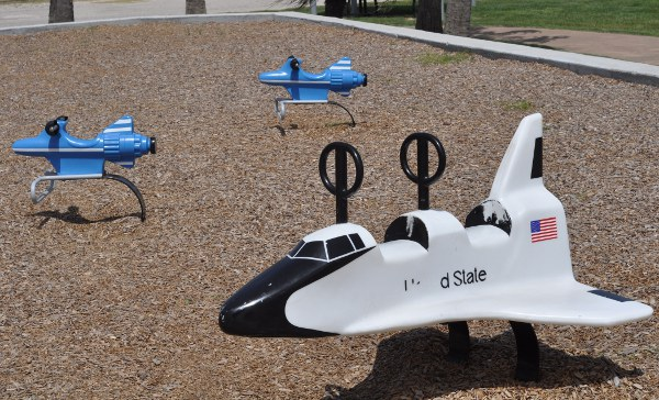 Schreiber Flagship Park Small Space Shuttle Spring Rider
