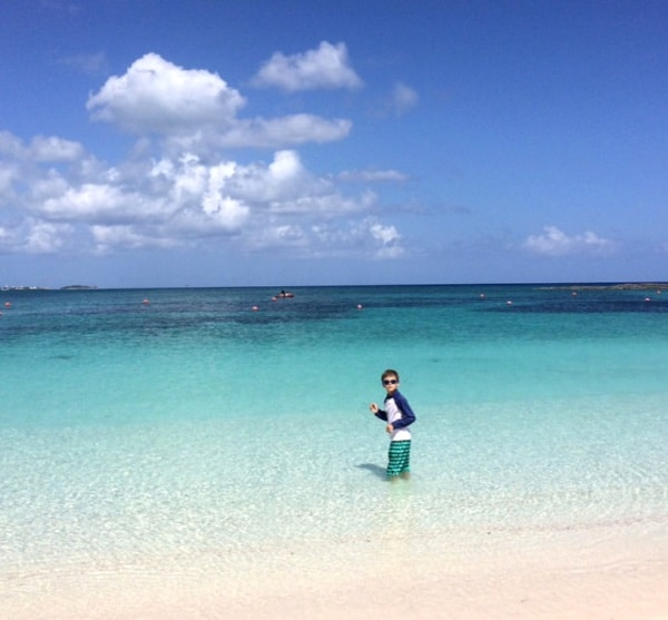 Paradise Island Bahamas Beaches: Blue Skies, Clear Water, Exciting Water Slides, Dolphins
