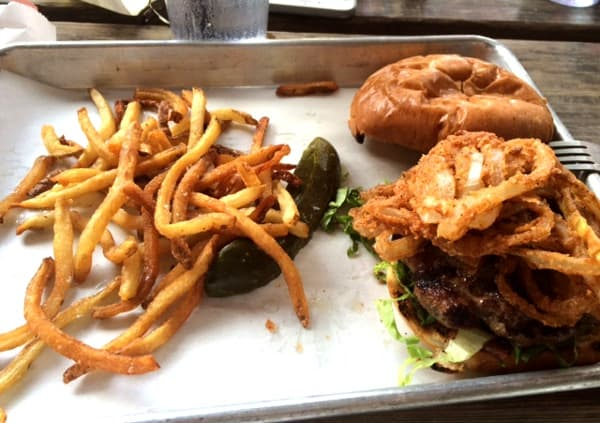 cottonwood-burger-and-fries
