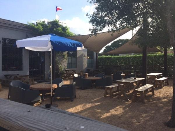 cottonwood-houston-patio