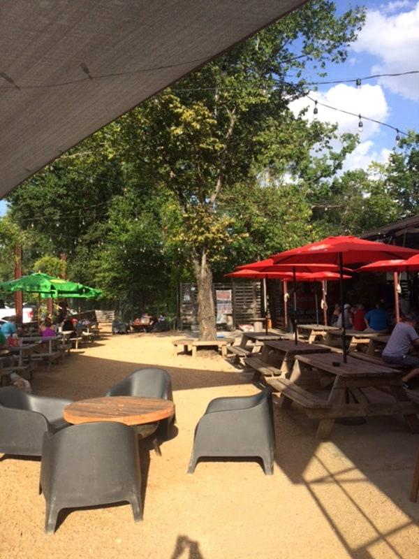 cottonwood-houston-patio1