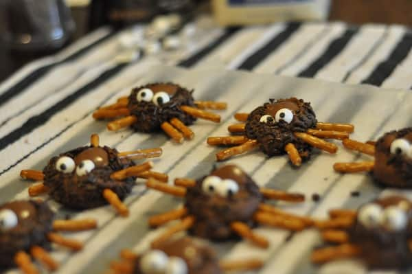 imperial-sugar-finished-cookie-spiders