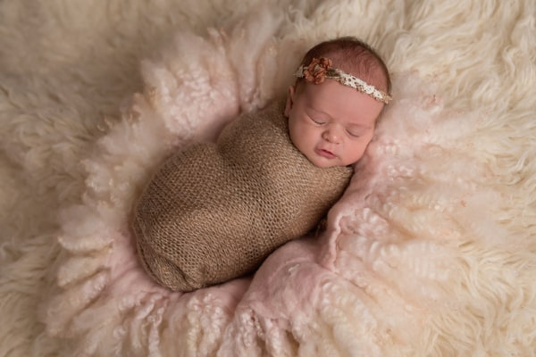abba-color-photo-juliet-newborn-photo-brown