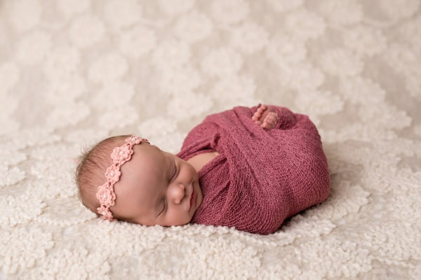 abba-color-photo-juliet-newborn-photo-feet