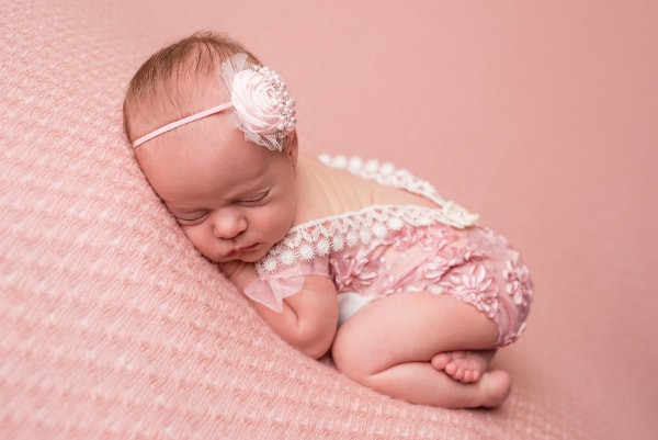 abba-color-photo-juliet-newborn-photo-pink