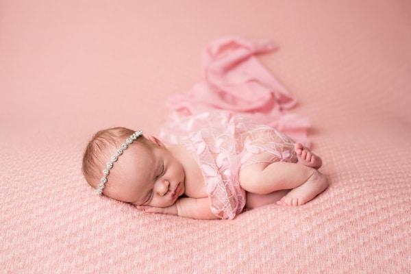 abba-color-photo-juliet-newborn-photo-scarf