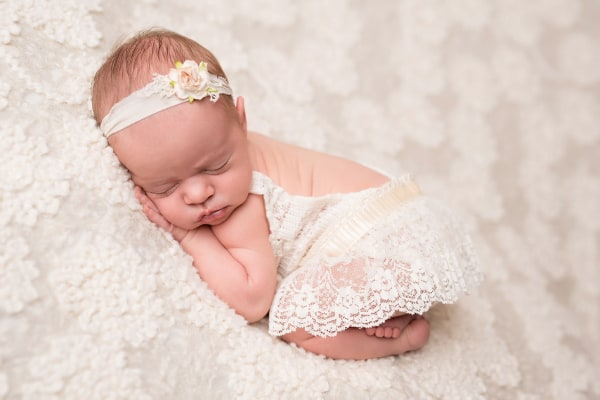 abba-color-photo-juliet-newborn-photo-white