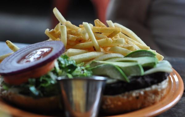 barnabys-chipotle-burger