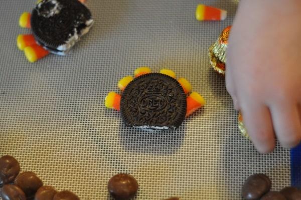 imperial-sugar-turkey-cookie-construction