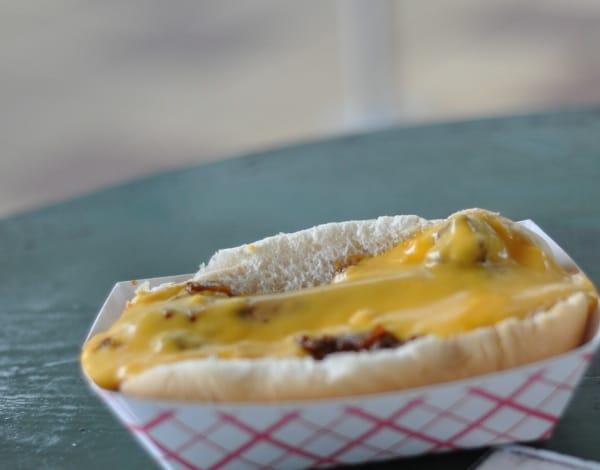 lake-house-cafe-chili-cheese-dog