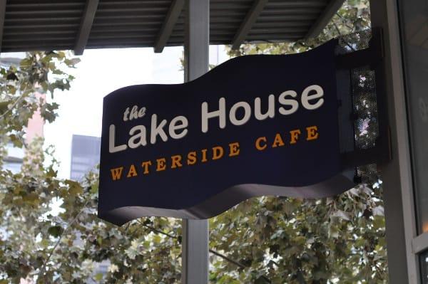 lake-house-cafe-sign