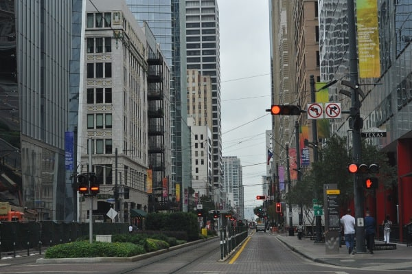main-street-tracks-downtown-houston
