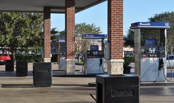 randalls-gas-station1
