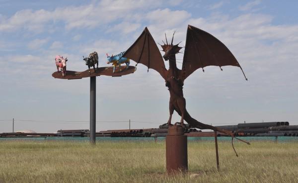 texas-pipe-supply-sculpture-park-dragon