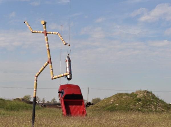 texas-pipe-supply-sculpture-park-truck