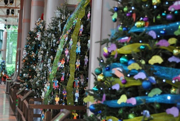 houston-museum-of-the-natural-science-christmas-trees-in-grand-hall