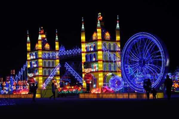 magical-winter-lights-london-bridge