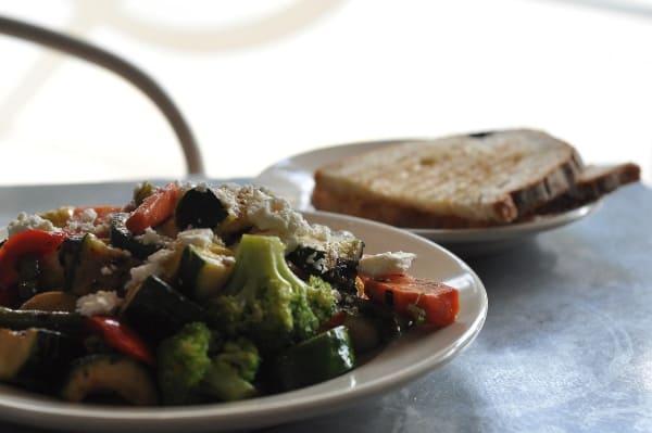 paulies-veggie-plate
